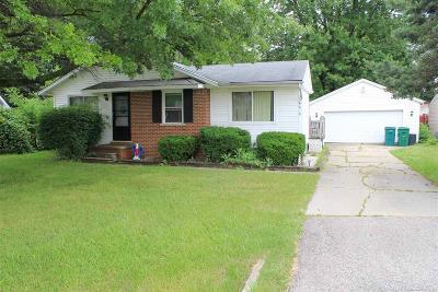 Harrison Twp Single Family Home For Sale: 34620 Union Lake