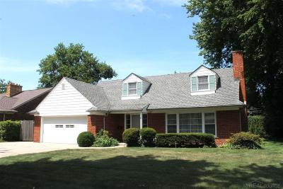 Grosse Pointe Shores Single Family Home For Sale: 70 Hampton