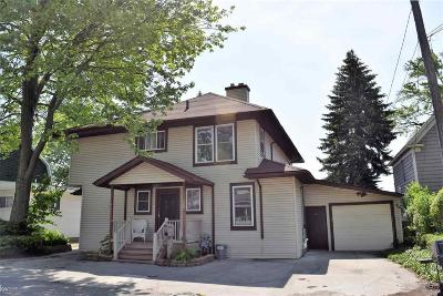 Algonac Single Family Home For Sale: 210 St Clair River