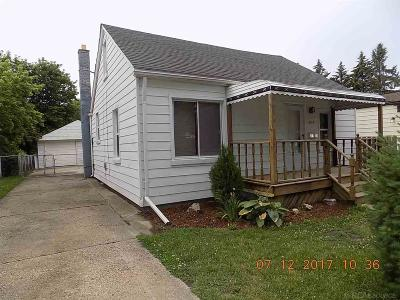 Center Line Single Family Home For Sale: 8104 Dale
