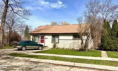 Saint Clair Shores Single Family Home For Sale: 20613 Avalon St.