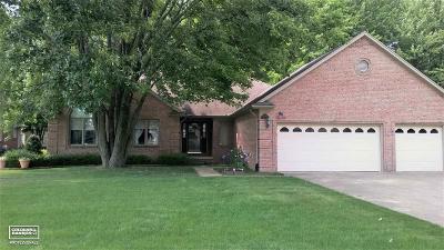Richmond Single Family Home For Sale: 68305 Lake Angela Dr
