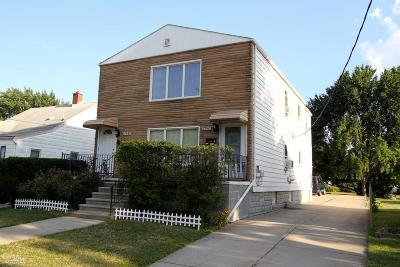 Macomb Multi Family Home For Sale: 17940 Glendale