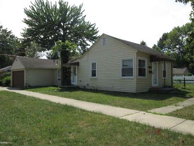 Harper Woods Single Family Home For Sale: 20948 Hollywood