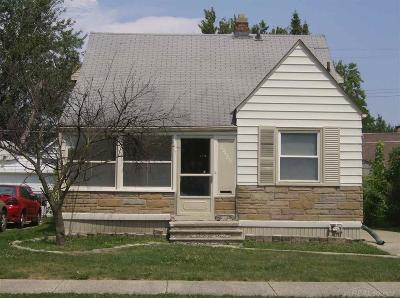 Harper Woods Single Family Home For Sale: 20429 Kenosha