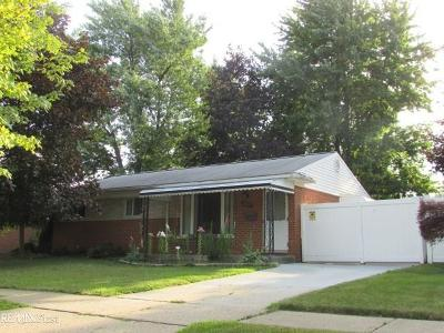 Clinton Township Single Family Home For Sale: 35057 Griswald
