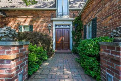 Grosse Pointe Shores Single Family Home For Sale: 10 Stratton Place