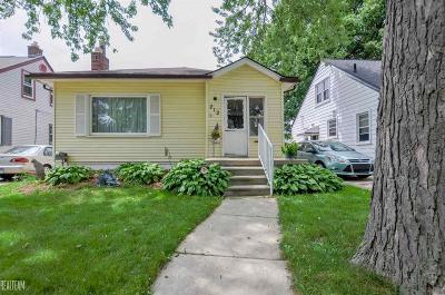 Royal Oak Single Family Home For Sale: 212 S Edgeworth