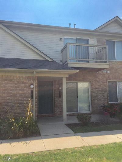 Warren Condo/Townhouse For Sale: 24035 Wedgewood Circle