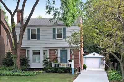 Grosse Pointe Farms Single Family Home For Sale: 329 Moross