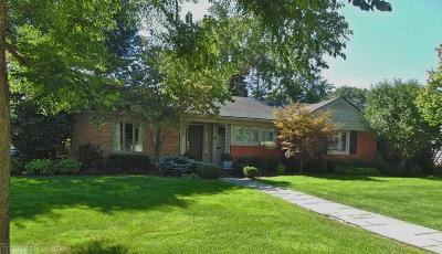 Grosse Pointe Shores Single Family Home For Sale: 49 Lakeshore Lane