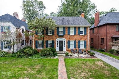 Grosse Pointe Farms Single Family Home For Sale: 113 Moran