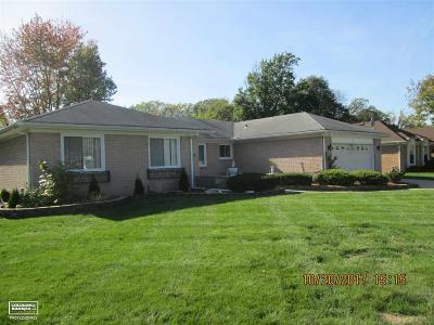 Livonia Single Family Home For Sale: 35203 Banbury