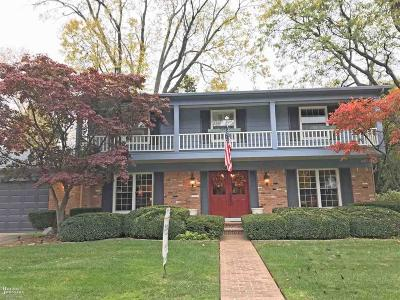 Grosse Pointe Farms Single Family Home For Sale: 40 Warner