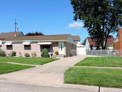 Sterling Heights Single Family Home For Sale: 33715 Newport