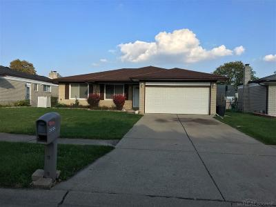 Sterling Heights Single Family Home For Sale: 35326 Remington
