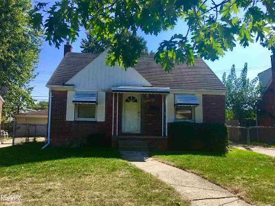 Center Line Single Family Home For Sale: 8420 Warren Blvd.