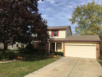 Lake Orion Single Family Home For Sale: 2708 Calais Dr
