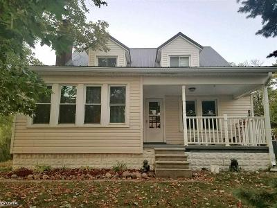 Auburn Hills Single Family Home For Sale: 154 N Lake Angelus Road W