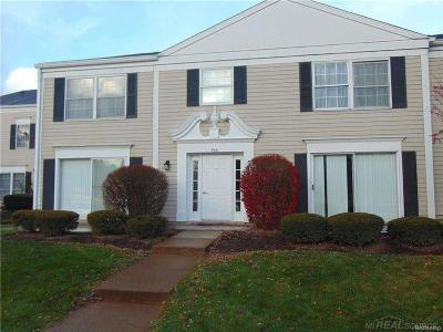 Auburn Hills Condo/Townhouse For Sale: 966 Unit C Bloomfield Village Blvd