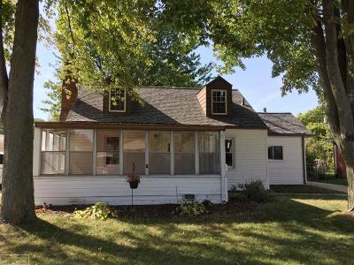 Saint Clair Shores Single Family Home For Sale: 30119 Gloria