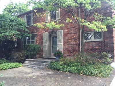 Grosse Pointe Farms Single Family Home For Sale: 124 Meadow Lane
