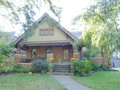 Grosse Pointe Single Family Home For Sale: 849 Notre Dame