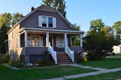 Algonac Single Family Home For Sale: 1219 St. Clair Blvd.