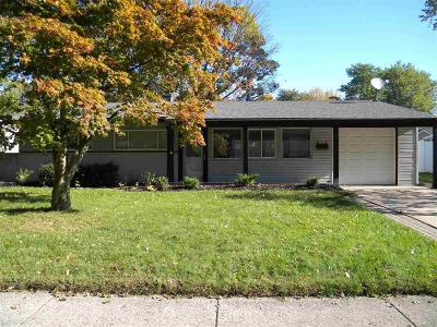 Mount Clemens Single Family Home For Sale: 9 Woodside Circle
