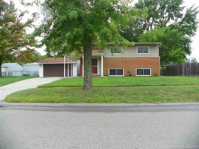 Sterling Heights Single Family Home For Sale: 43329 Gainsley Dr