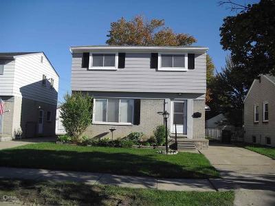 Macomb Single Family Home For Sale: 21523 Alger