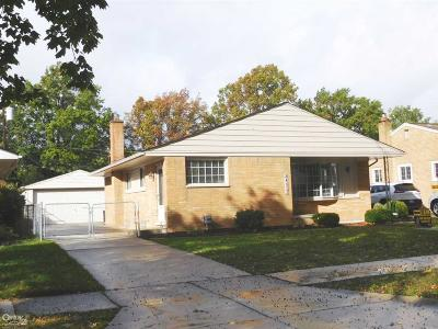 Macomb Single Family Home For Sale: 24317 Princeton