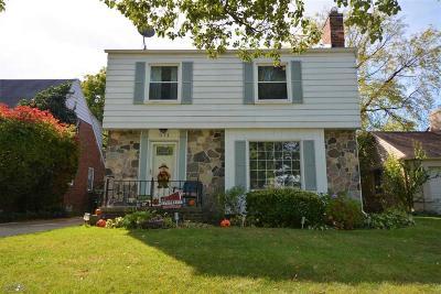 Grosse Pointe Farms Single Family Home For Sale: 371 Moross