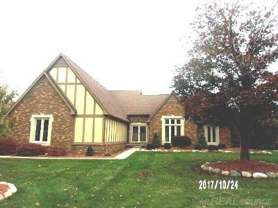 Shelby Twp Single Family Home For Sale: 54010 Sutherland Ln