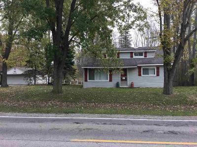 Single Family Home For Sale: 8815 Marsh