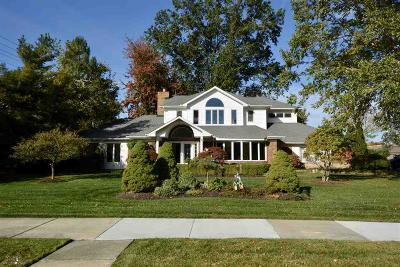 Grosse Pointe Woods Single Family Home For Sale: 20363 Sunningdale Park