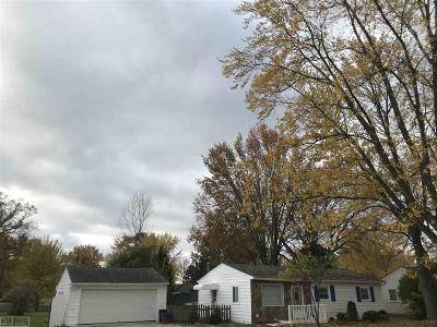 Macomb Single Family Home For Sale: 23828 Lynnhurst