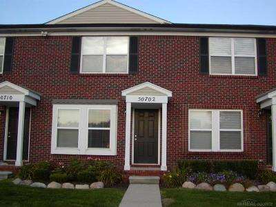 New Baltimore Condo/Townhouse For Sale: 50702 Woodbury Dr