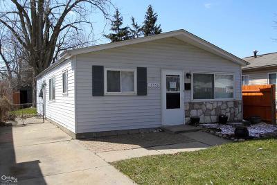 Clinton Township Single Family Home For Sale: 19550 Gaynon
