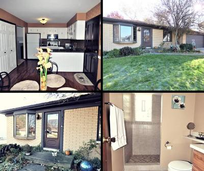 Fraser Single Family Home For Sale: 32362 Hampton Ct.