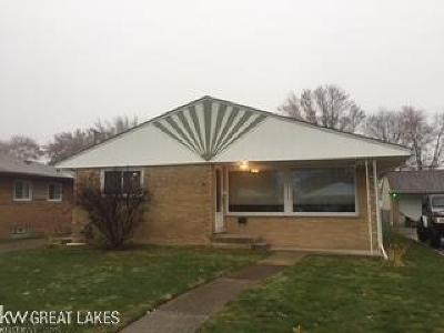 Saint Clair Shores Single Family Home For Sale: 22200 Winshall