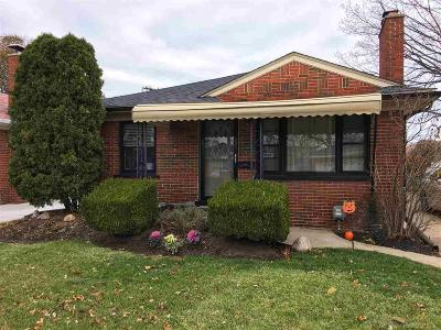 Saint Clair Shores Single Family Home For Sale: 27600 Grant