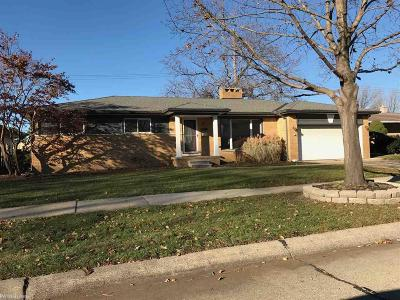 Saint Clair Shores Single Family Home For Sale: 31023 Champine