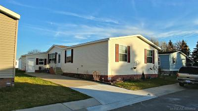 Macomb MI Manufactured Home For Sale: $64,000