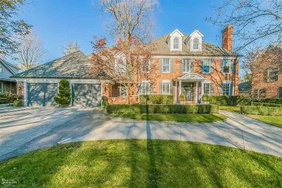 Grosse Pointe Farms Single Family Home For Sale: 22 Newberry