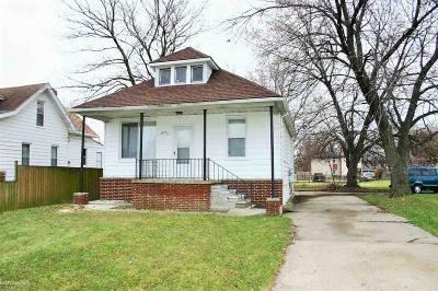 Roseville Single Family Home For Sale: 18776 Masonic