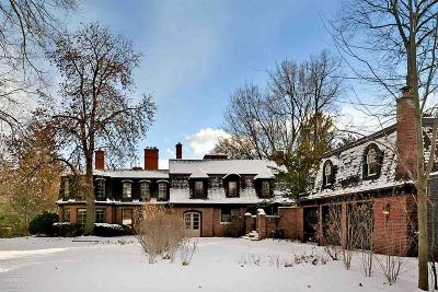 Grosse Pointe, Grosse Pointe Farms, Grosse Pointe Park, Grosse Pointe Shores, Grosse Pointe Woods Single Family Home For Sale: 7 Woodland Place