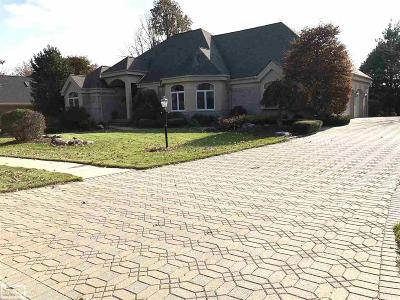 Washington Twp Single Family Home For Sale: 8804 Tournament Drive