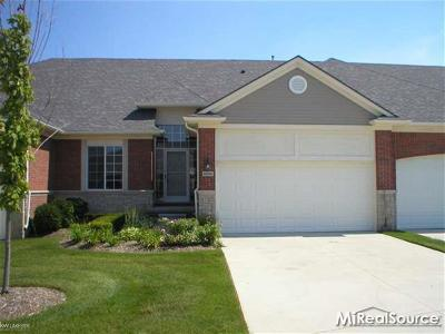 Shelby Twp Condo/Townhouse For Sale: 14955 Village Park Circle