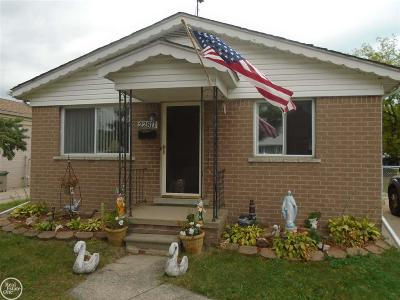 Saint Clair Shores Single Family Home For Sale: 22811 Doremus Street